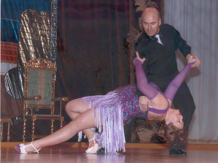 """Actualidad Actualidad Enrique Leal y Maribel Rodríguez, profesores: """"Las instituciones deberían fomentar el baile entre la juventud porque les aparta de peligros"""""""