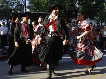 Actualidad Actualidad Canta y baila: folclor argentino desde la Patagonia